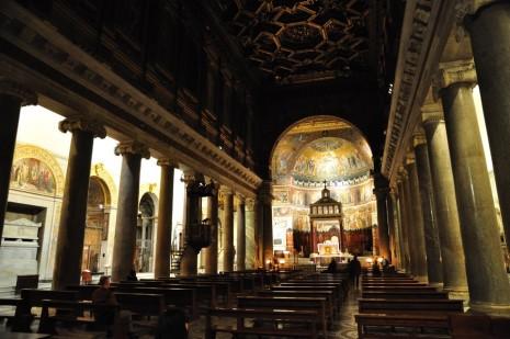 Santa Maria in Trastevere: dark, but not gloomy